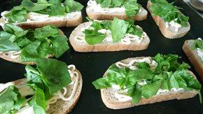 Zapečené chleby so špenátom na večeru, reďkovkové chleby na raňajky